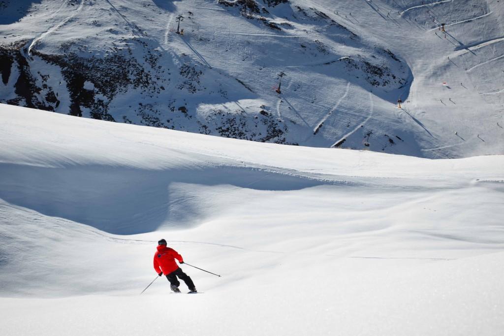 21/12/14 Club de Torocuervo Telemark en Astún, Huesca, Spain. Foto de James Sturcke | www.sturcke.org